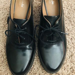 Clark's black tie Mary Janes size 8